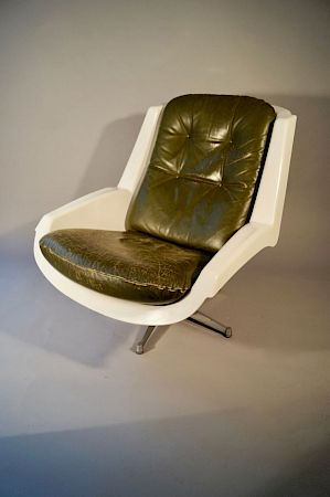 alpha space age swivel chair paul tuttle straessle vintage obbjekt zuerich